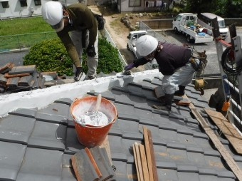 海田町棟瓦取り直し工事南蛮しっくい