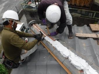 海田町棟瓦取り直し工事棟積み