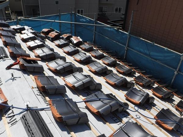 東広島市瓦屋根葺き替え工事瓦揚げ