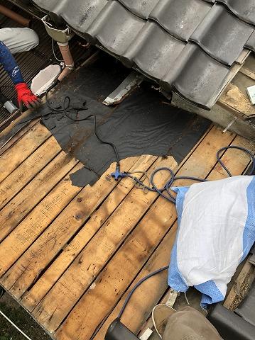 雨漏り板金屋根解体