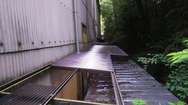 ポリカ屋根貼り換え工事