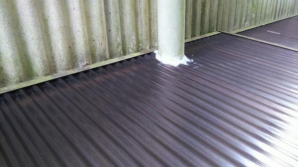 ポリカ屋根貼り工事