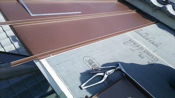 ワンタッチ縦平板金屋根