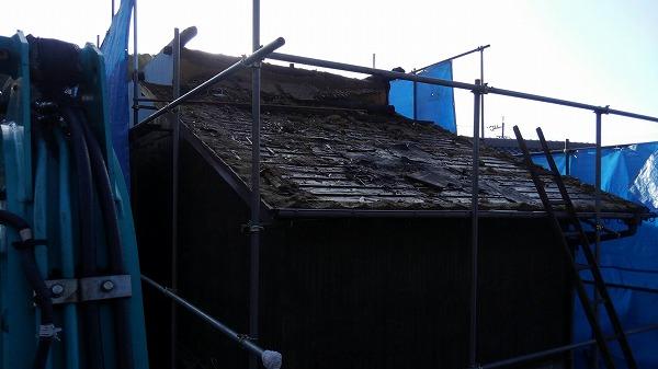 解体工事瓦屋根