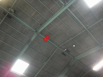 スレート屋根穴