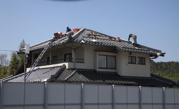2階瓦屋根隅棟巻き替え