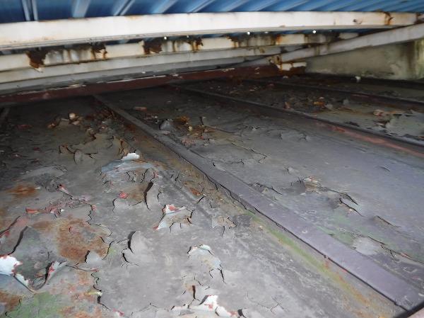 ベランダ床下瓦棒表面塗膜剥がれ
