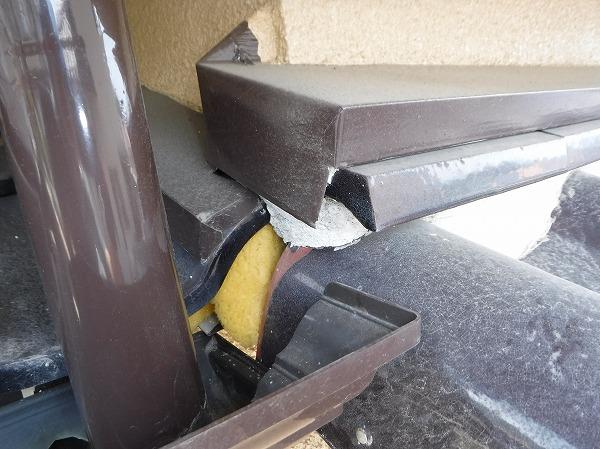 玄関雨漏り屋根