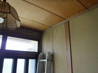 玄関天井壁