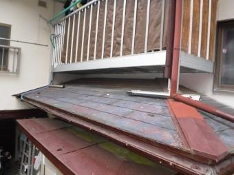 玄関上スレート屋根