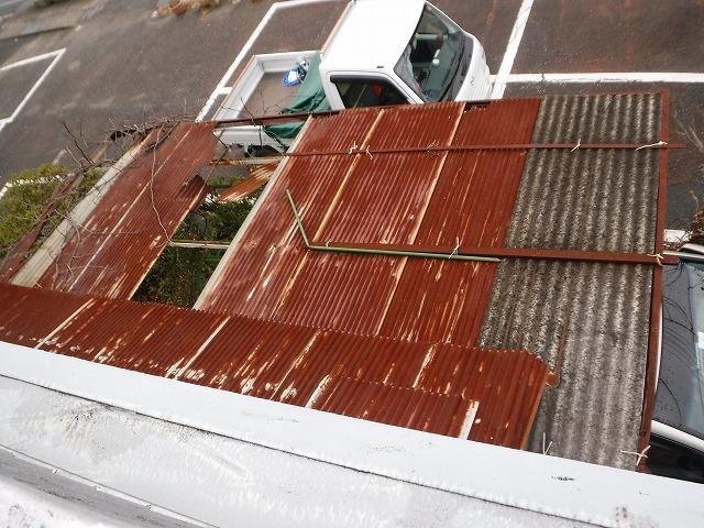 カーポート板金屋根破損