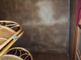 玄関奥部屋天井も雨漏り