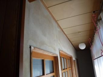 廊下天井雨漏り