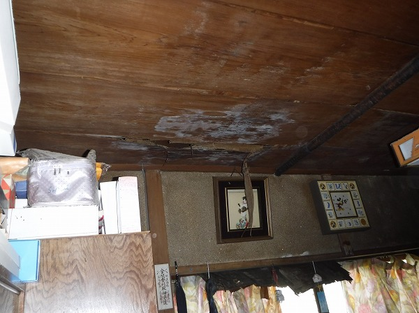 北側台所天井雨漏り
