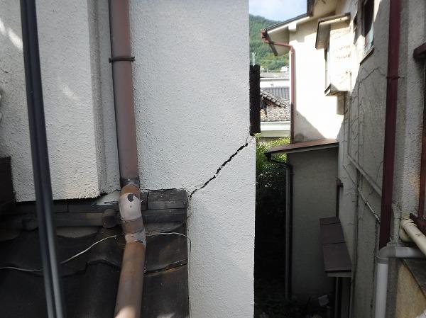 モルタル壁ひび割れ