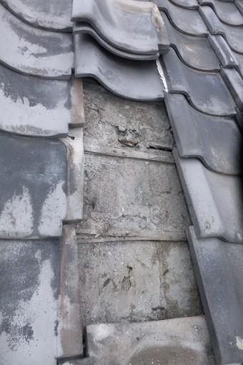 屋根下地が粉
