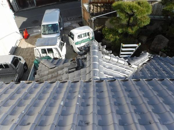 玄関上瓦屋根