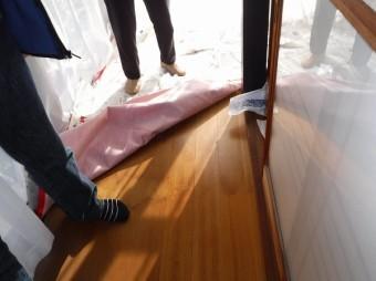 廊下雨漏りシミ跡