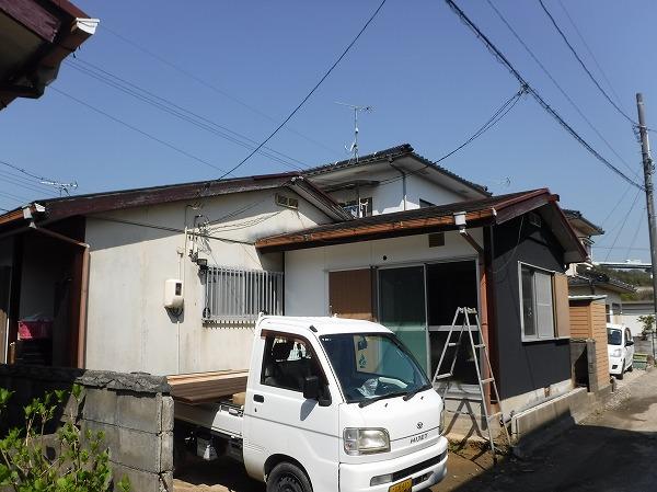 呉市 台風でスレート屋根が剥がれた。カバー工法希望の現地調査