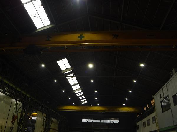 呉市 工場倉庫屋根から雨漏り。スレート屋根をドローン調査。