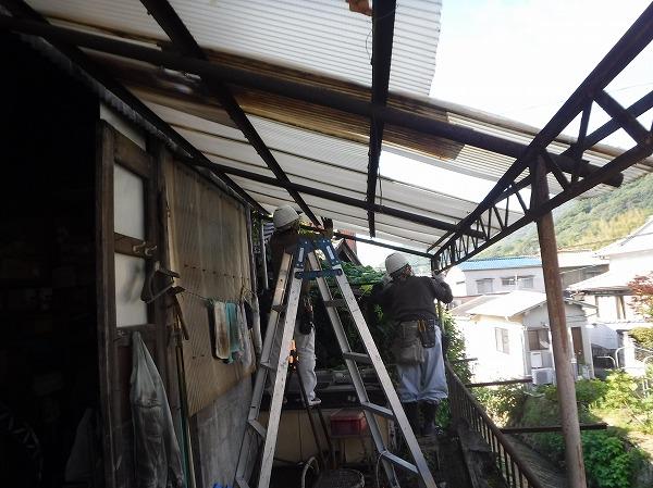 広島市西区ポリカ波板貼り換え工事
