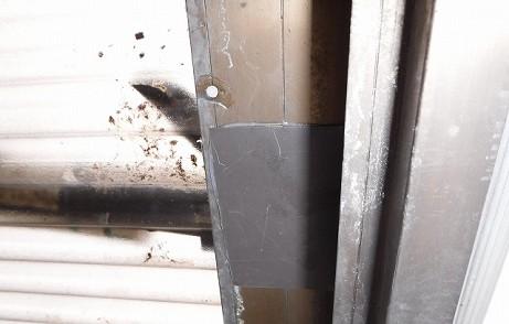 ガルバ鋼鈑アルミサッシ貼りつけ