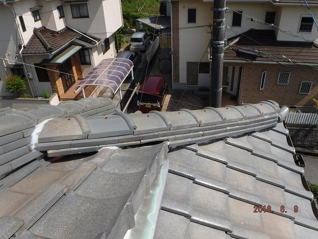 瓦屋根の完成した新しい隅棟