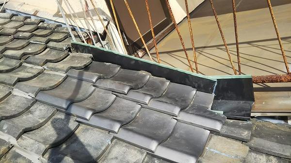 玄関天井の雨漏り修理完成