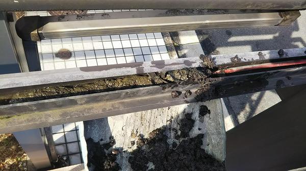 アルミサッシ樋掃除