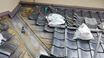 雨漏り箇所瓦撤去
