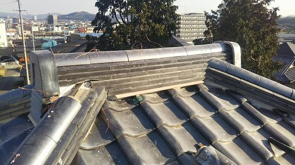 2階瓦屋根棟瓦取り直し工事完成