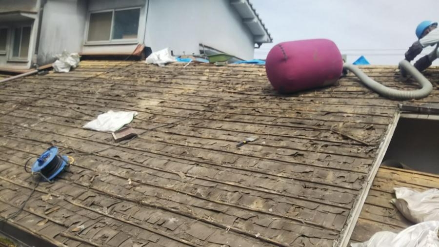 ソギ葺き瓦屋根降ろし工事