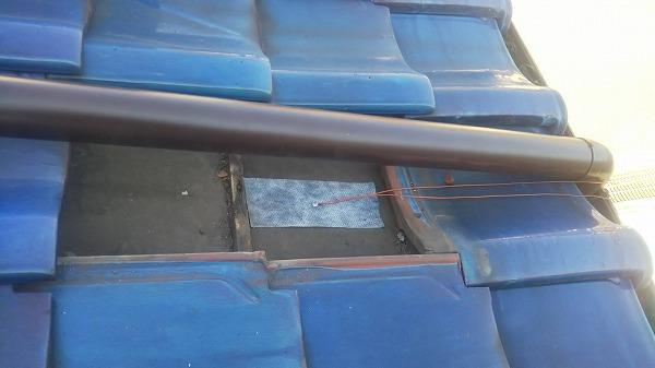屋根上 竪樋固定工事