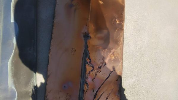 ステンレス谷板雨漏り跡