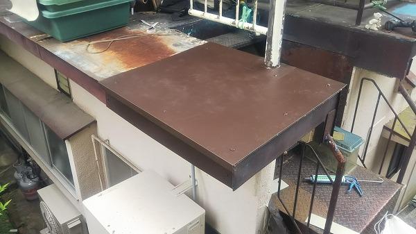 呉市 板金屋根より雨漏り。カバー工事で屋根リフォームです