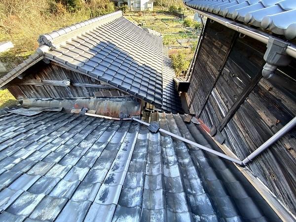 雨漏り屋根外観