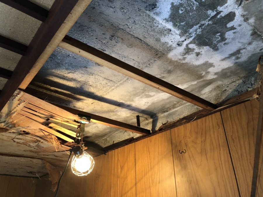 天井解体工事